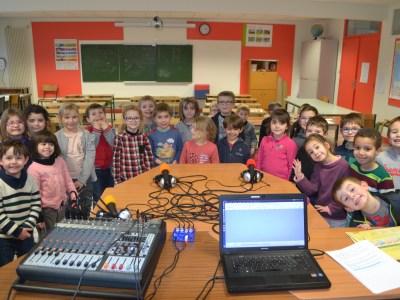 Ateliers radiophoniques à l'école primaire d'Artannes !!!