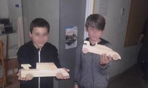 Animation jeux itinérante fabrication de jeux en bois Morbihan Bretagne jeux de société jeux en bois