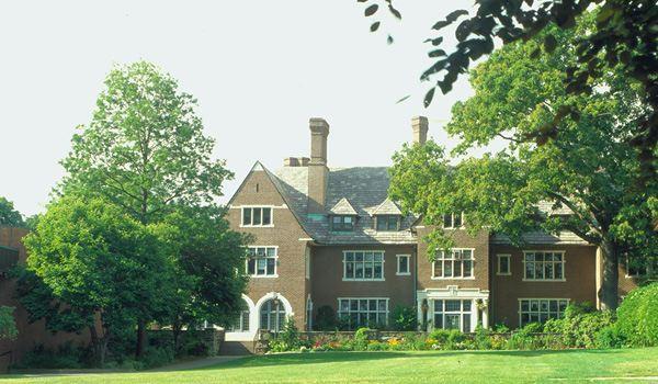 Sara Lawrence College