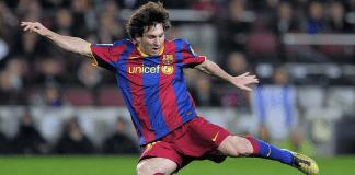 Lionel Messi Kicking