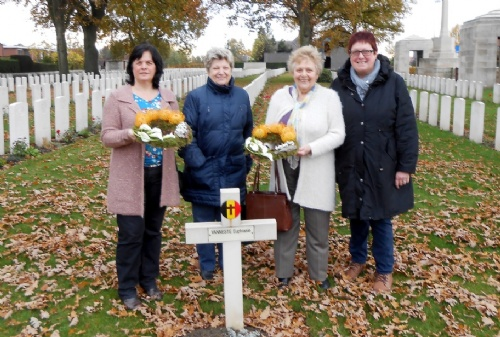 Kransneerlegging Poperinge New Military Cemetery  WOI