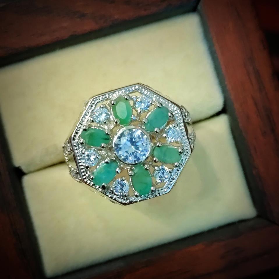 Luxury Emerald Ring + Buy Zamurd Ring Pakistan