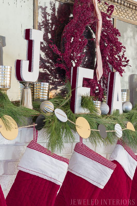Looking for inspiration for Christmas decor? You have got to see this! Jeweled Interiors Holiday Home Tour 2017 | Burgundy Blush Christmas Decor Ideas and Tips ⋆ Jeweled interiors, wreaths, Christmas, holiday, tree, decor, decorations, stockings, ideas, DIY, inspiration, burgundy, blush, red, maroon, wine, home tour, poinsettia, glam, chic, peach, gold, black, white, mirror, antique, pottery barn, stockings, monogram