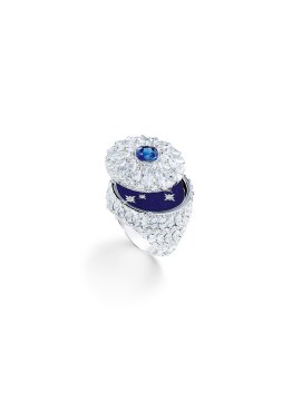 Ring in 18K white gold set with 1 cushion-cut blue sapphire (approx. 1.43 cts), 71 marquise-cut diamonds (approx. 4.83 cts), 78 brilliant-cut diamonds (approx. 2.67 cts) and enamel.