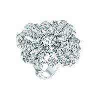 """""""Attirante"""" ring in 18K white gold set with a 1-carat brilliant-cut diamond, 4 pear-cut diamonds for a total weight of 1 carat, 12 baguette-cut diamonds for a total weight of 1.2 carat, 12 square-cut diamonds for a total weight of 1.1 carat and 285 brilliant-cut diamonds for a total weight of 2.9 carats. CHANEL Joaillerie"""