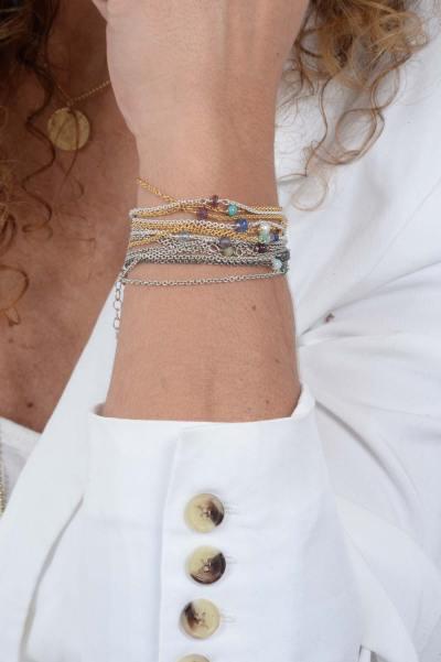 Armbånd i mange varianter på håndleddet