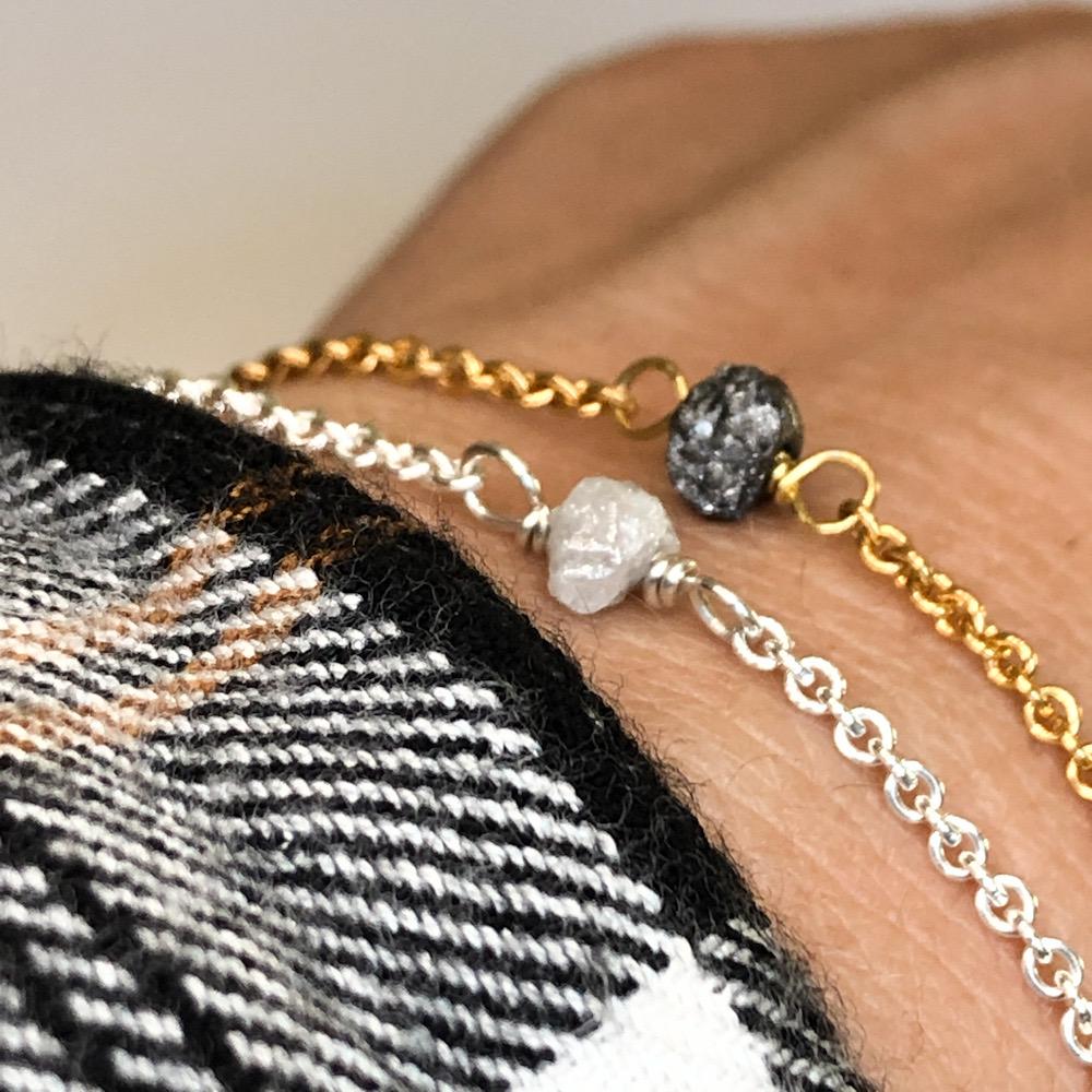 Rought diamant armbånd med rå diamant, vælg mellem sort, brun og hiv i farve.