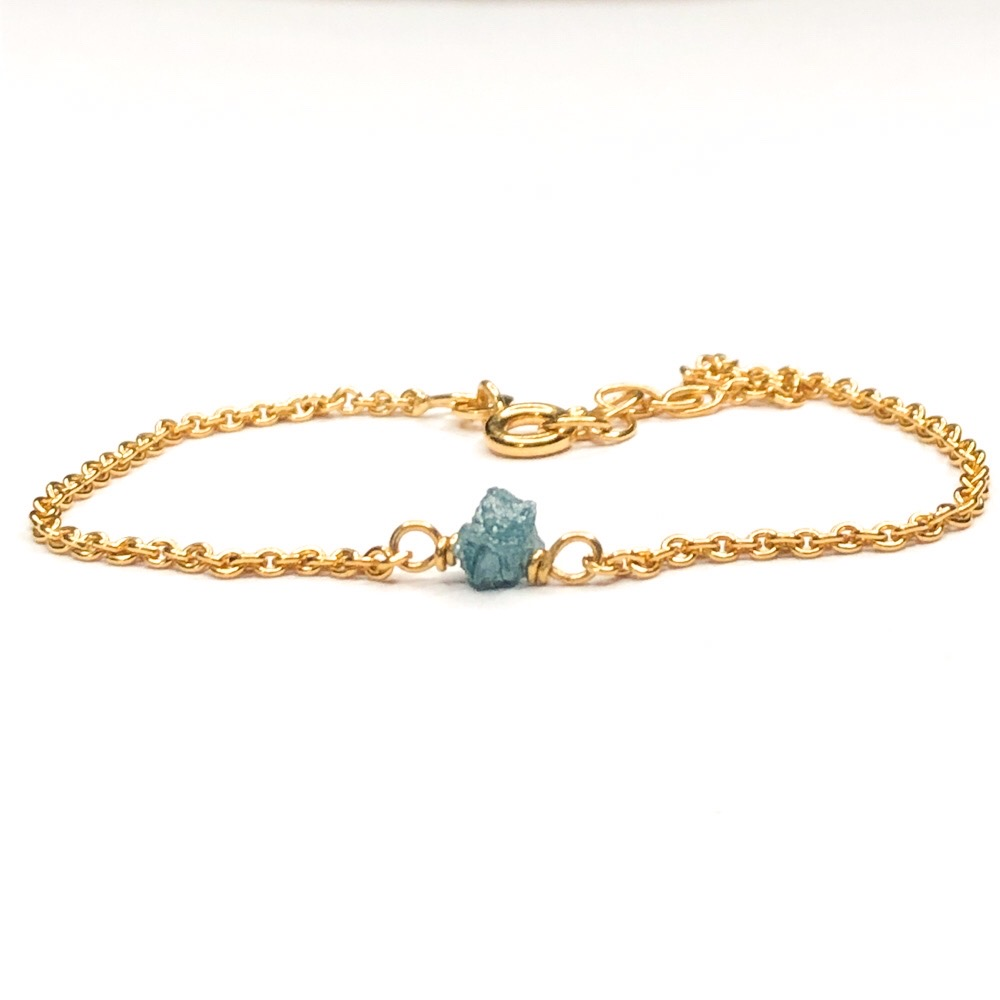 Rå diamant armbånd med blå diamant