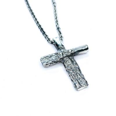Rustikt kors med halskæde
