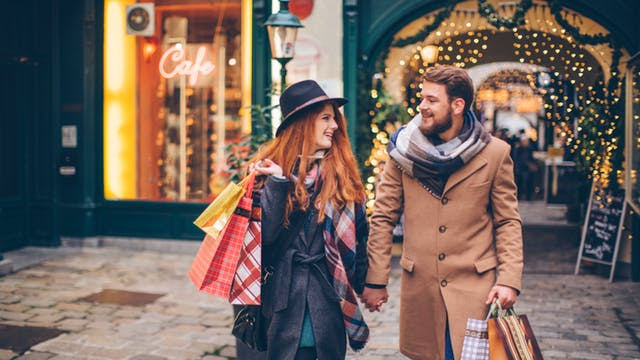 3 Ways to Draw in Thoughtful Holiday Shoppers