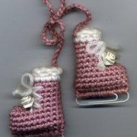 Winter Jewelry Tutorial Crocheted Ice Skates Pin