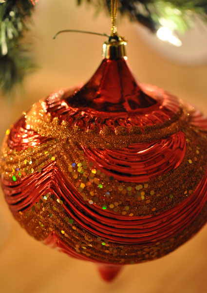 large ornament with glitter