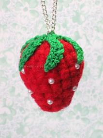 Strawberry Pendant Necklace: