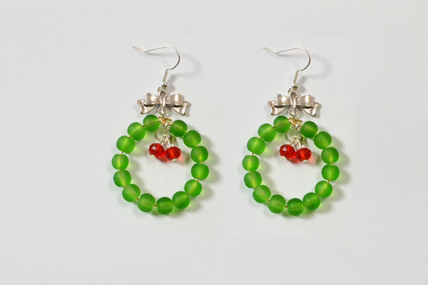 Easy Tutorial on Christmas Glass Beaded Earrings for