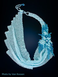 beadNecklace3Full