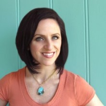 Jessica Barst, owner of JewelryTutorialHQ.com. Learn to make jewelry with me!