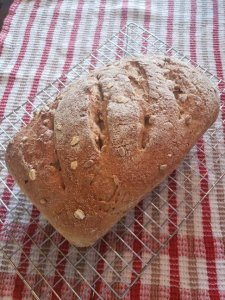 Seeded wholewheat bread