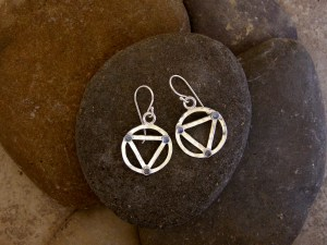 Hammered Triangle in Circle Earrings
