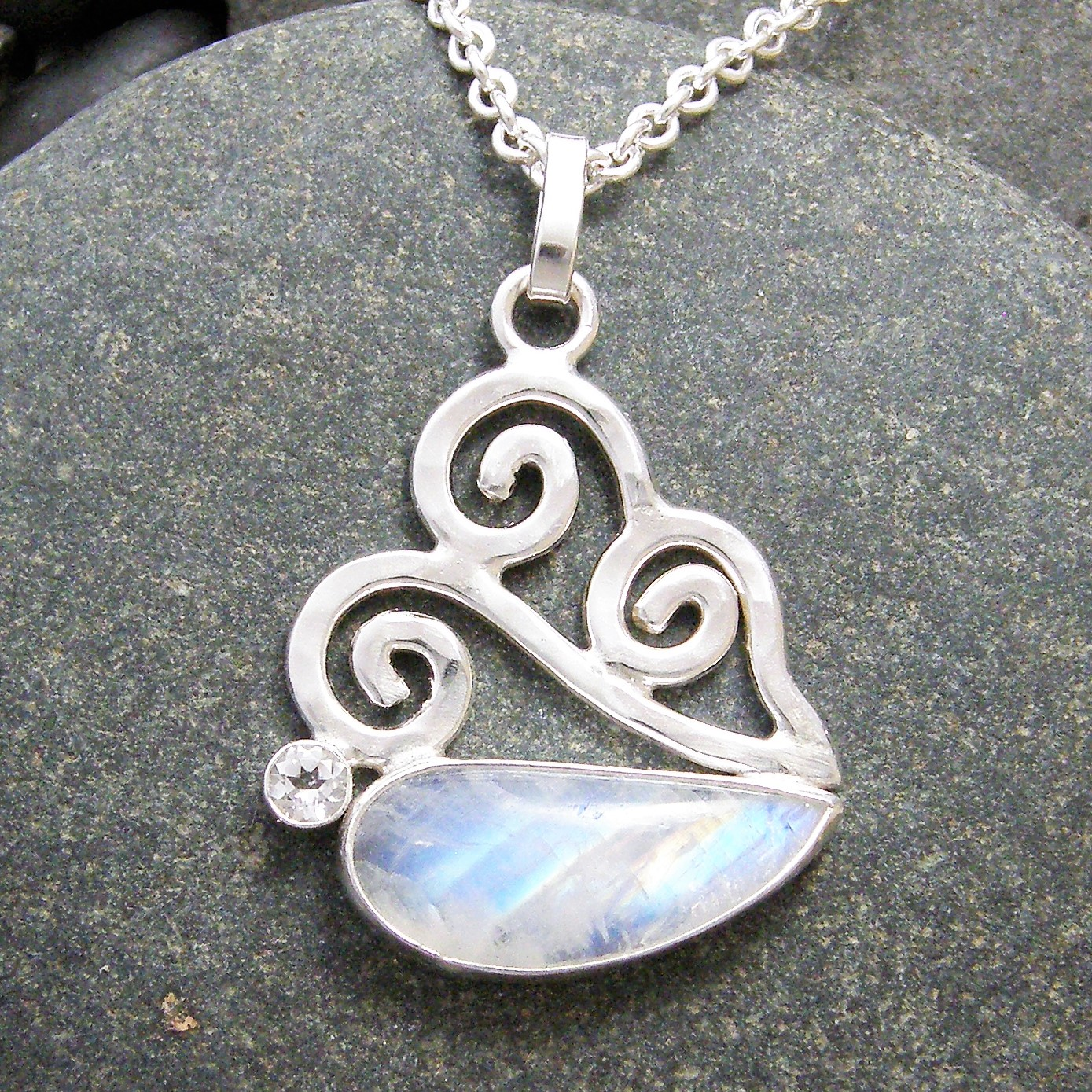 supplies p gemstone moon silver stone shaped x fullxfull moonstone il bezel faceted debl product pendant heart htm teardrop natural measuring sterling component sv ssbzmsr