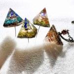 ピラミッド型ミニオルゴナイト