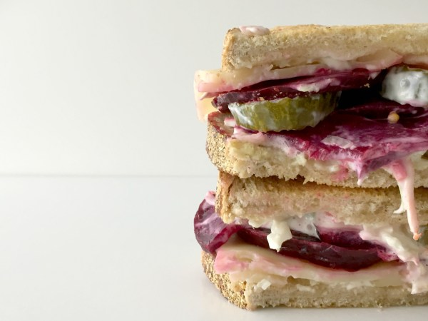 roasted beet vegetarian sandwich kosher jewhungry