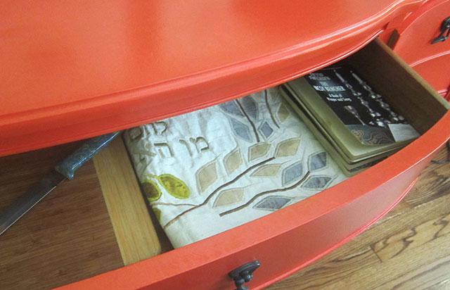 Challah board in Mi casa es SU casa with Design Megillah