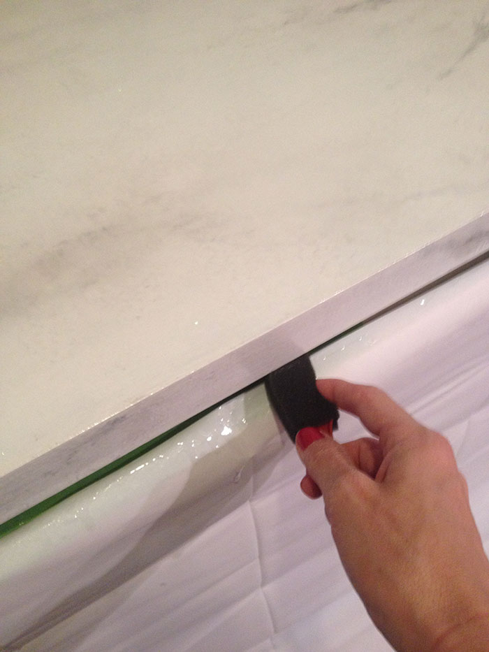 how to work with resin to create faux marble counter