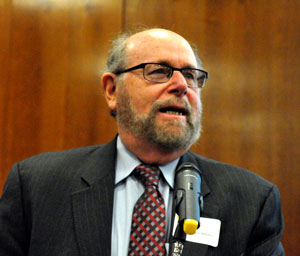 RabbiAddressAtConference300x256