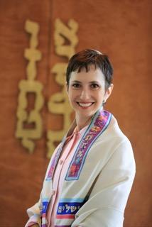 Cantor Sherri Allen