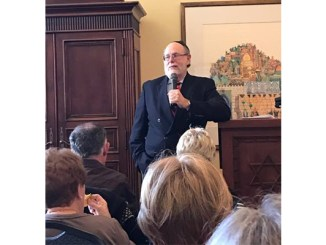 Rabbi Address leading scholar-in-residence discussion at Kol Tikvah, Parkland, FL (Courtesy Rabbi Melissa Zalkin Stollman)