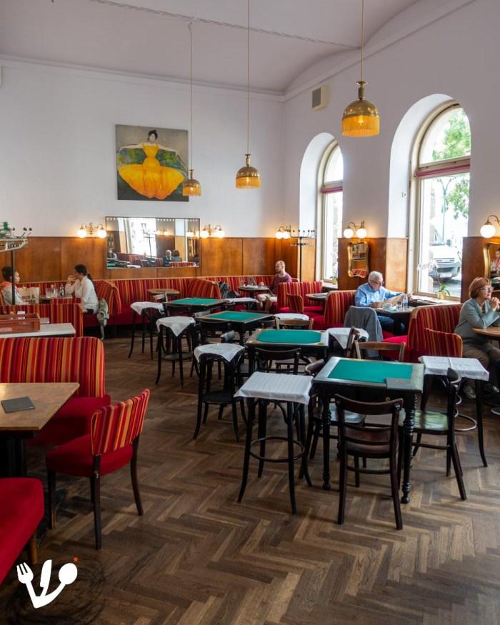 Café Schopenhauer coffeehouse Vienna