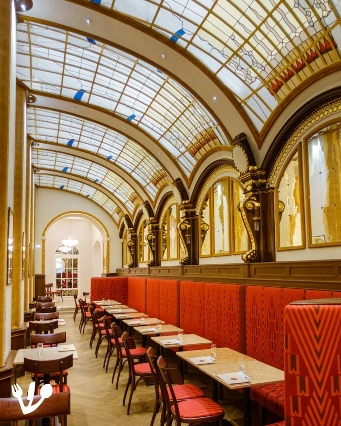 Konditorei Sluka Café Zwieback coffeehouse Vienna