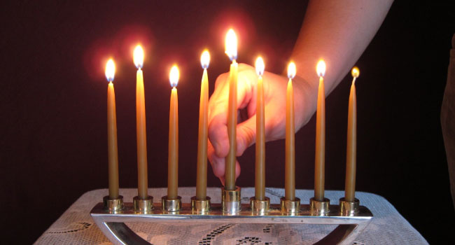 narrow-bridge-candles