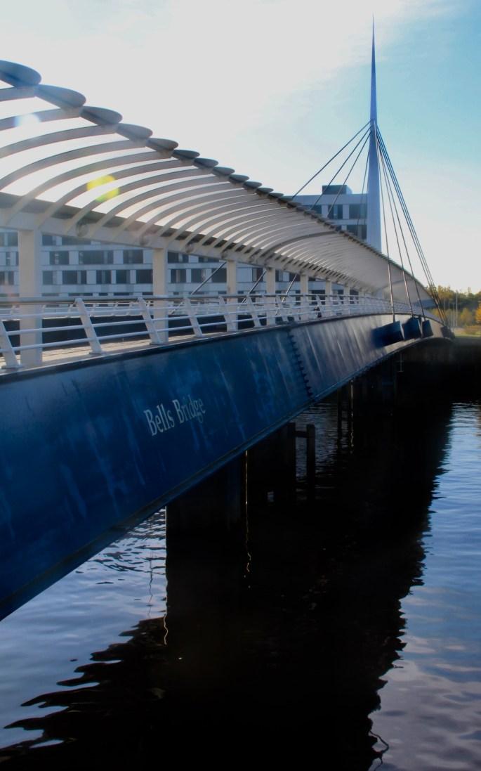 Bells Bridge, Glasgow by Jez Braithwaite