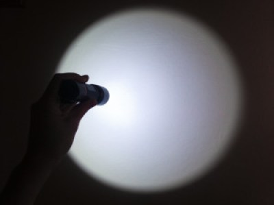 swiatlo-na-scianie