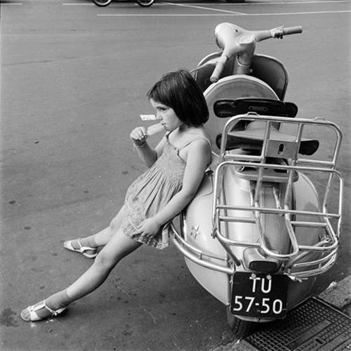 500-Philip-Mechanicus-meisje-scooter
