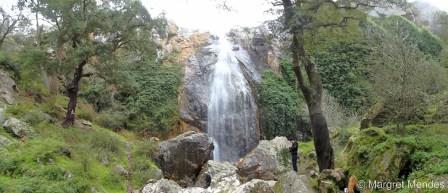 Cascata de rocha de Água d'Alto