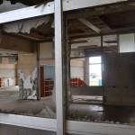 海岸から数百㍍も離れていない浪江町請戸地区の小学校。津波当時のまま。2016年5月25日
