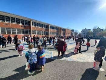 Families and Students Welcome Meet Up / Familias y estudiantes bienvenidos Meet Up
