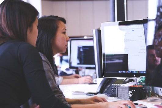 étudiantes en marketing et communication