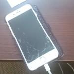 iPhoneのガラスが割れた・・・