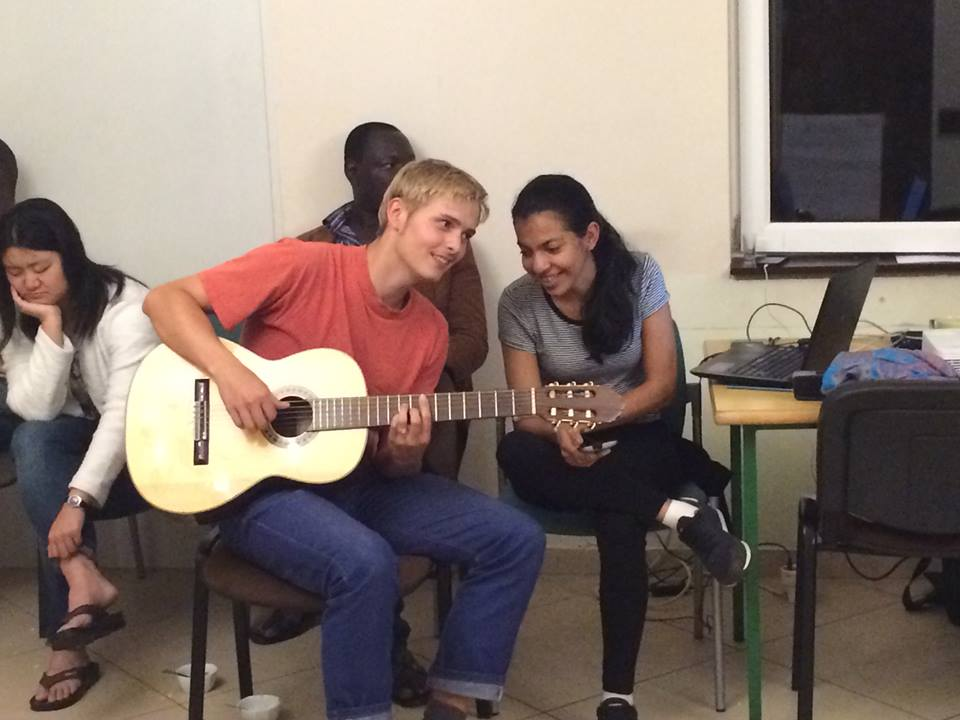 ONG utiliza técnicas específicas para ajudar deficientes
