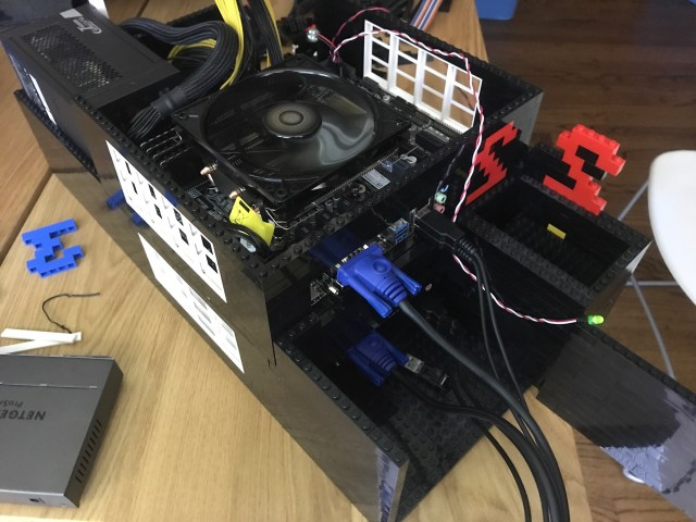 Two first nodes running independently on the same power supply.