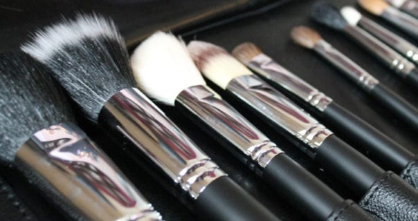 Tips for Cleaning Makeup Brushes to increase their Lifespan