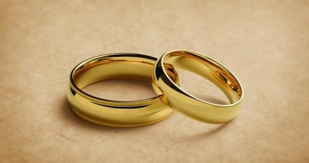 Comparing and Choosing the Right Wedding Band for Your Man!