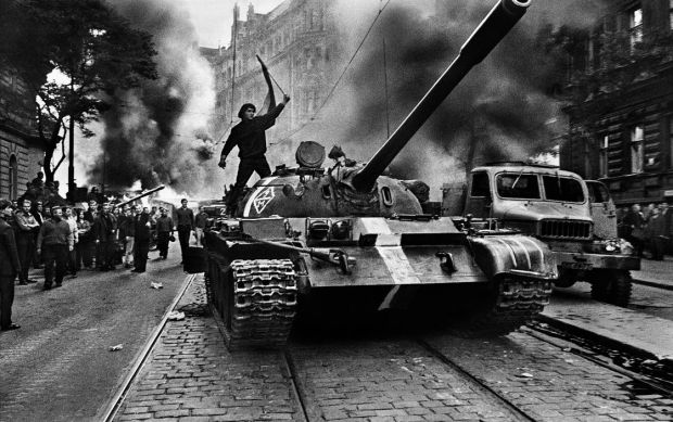 "Josef Koudelka, ""CZECHOSLOVAKIA. Prague. August 1968. Warsaw Pact tanks invade Prague."""