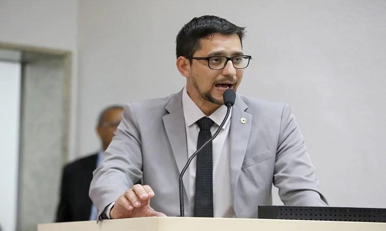 Anderson do Singeperon anuncia audiência para debater segurança nas escolas