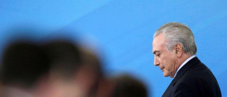 Temer decide manter no governo ministros citados em delações