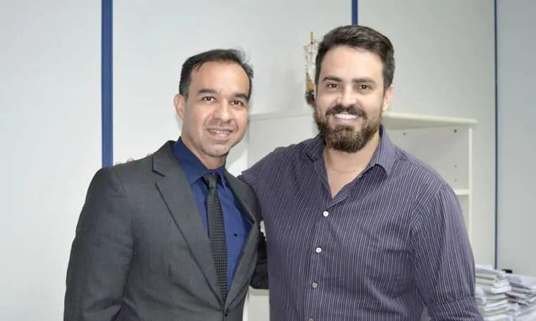 Léo Moraes analisa com promotor situação de aprovados da PM, PC e Bombeiros