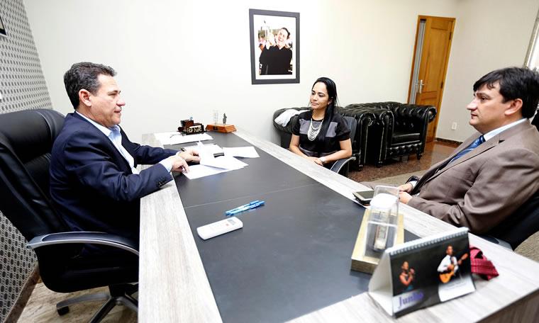 Maurão de Carvalho libera emenda para tapa-buracos